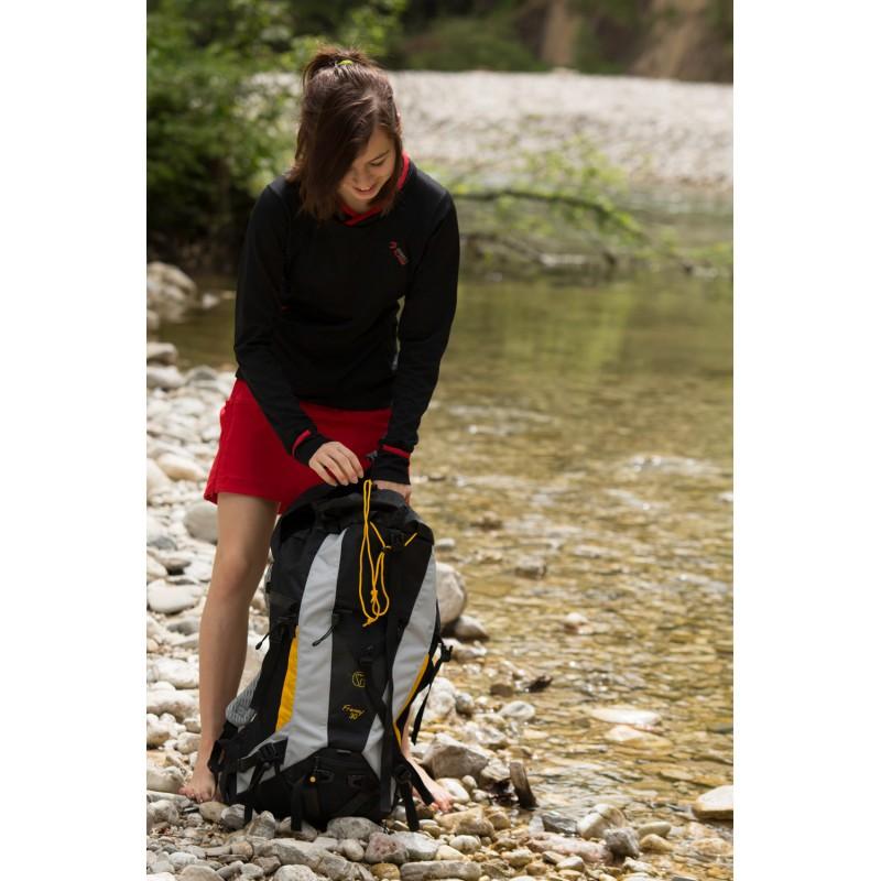 1d8bb6030d5 ... Direct Alpine Jasmin 1.0 black red dámská sportovní sukně 4 ...